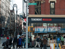 Hotel The Ludlow, el Russ & Daughters Cafe y el New Museum, tres hitos de este barrio al sureste de Manhattan.