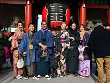 La capital japonesa atesora un universo de mercadillos, cada cual m�s diferente a los dem�s.