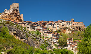 Panor�mica de Fr�as (Burgos), la ciudad m�s peque�a de Espa�a.   Foto: Shutterstock