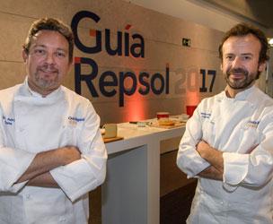 Los cocineros Albert Adrià (Tickets) y Nacho Manzano (Casa Marcial) , los nuevos Tres Soles.
