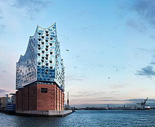 La nueva Filarmónica del Elba, en el renovado puerto de Hamburgo (Alemania). | Fotos: Elbphilharmonie | Shutterstock